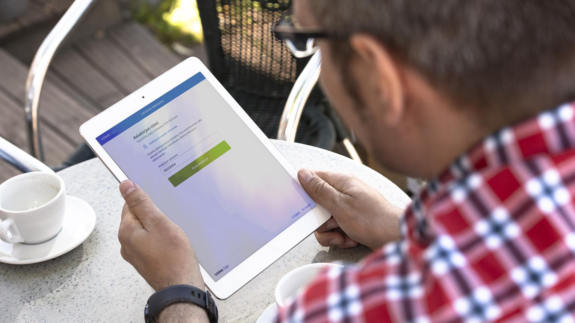 sähköinen allekirjoitus on helppoa tehdä millä tahansa laitteella: tietokoneella, mobiililla tai tabletilla